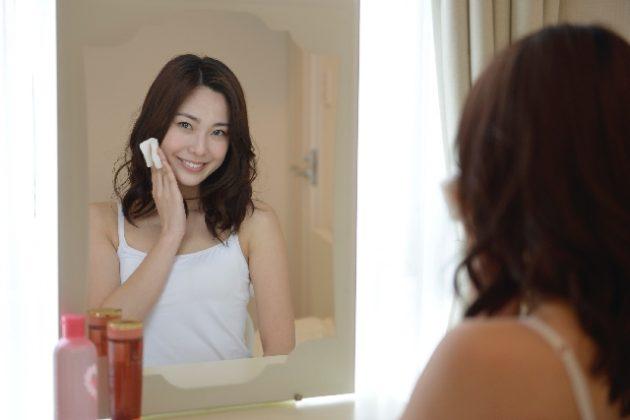 【実録】完全なる肌断食に成功した私が、化粧水を試してみたら悲惨だった。