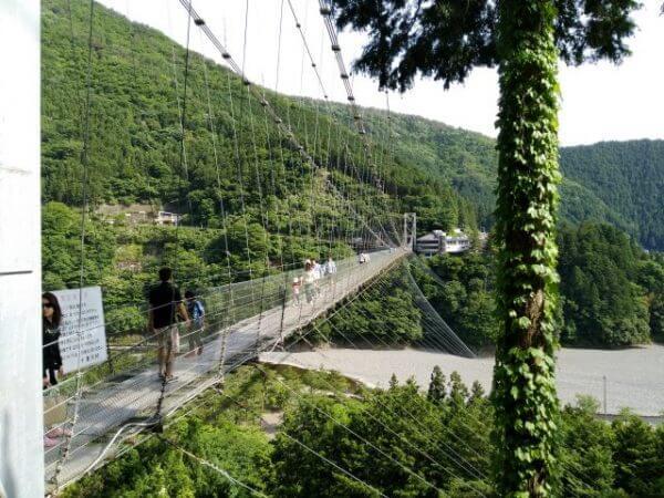 【動画付】スリル満点!谷瀬の吊り橋を子供は渡りきれるのか!?谷瀬の里の散歩道も紹介【奈良県十津川村】